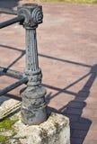 Παλαιός περίκομψος σκουριασμένος πόλος μετάλλων στοκ φωτογραφία με δικαίωμα ελεύθερης χρήσης