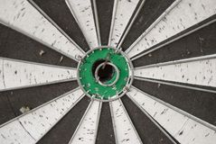παλαιός πράσινος στόχος dartz στοκ φωτογραφία με δικαίωμα ελεύθερης χρήσης