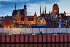 Παλαιός πόλης ορίζοντας του Γντανσκ στο σούρουπο Στοκ Εικόνες