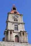 Παλαιός πύργος ρολογιών στην παλαιά πόλη της Ρόδου στοκ εικόνες