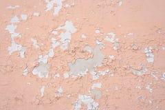 Παλαιός τοίχος με δύο στρώματα του χρώματος αποφλοίωσης στοκ εικόνα με δικαίωμα ελεύθερης χρήσης