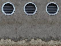 Παλαιός τοίχος με τα κάγκελα εξαερισμού Στοκ Εικόνες
