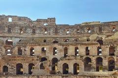 Παλαιός τοίχος με τις αψίδες του αμφιθεάτρου EL Djem στην Τυνησία Στοκ Φωτογραφίες