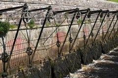 παλαιός φράχτης πυλών πλημμ& Στοκ Φωτογραφία