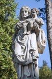 Παλαιό άγαλμα της Virgin Mary με το μωρό Ιησούς Χριστός Στοκ Εικόνα