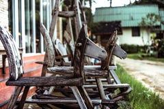 Παλαιό άλογο ταλάντευσης παιδιών ` s ξύλινο Στοκ Φωτογραφία