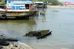 Παλαιό αλιευτικό σκάφος συντριμμιών αλιευτικών σκαφών Στοκ εικόνες με δικαίωμα ελεύθερης χρήσης