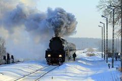 παλαιό αναδρομικό τραίνο α στοκ φωτογραφία