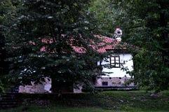 Παλαιό ανακαινισμένο σπίτι Στοκ εικόνες με δικαίωμα ελεύθερης χρήσης