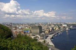 Παλαιό ανατολικο-ευρωπαϊκό υπόβαθρο αρχιτεκτονικής πόλεων Στοκ φωτογραφία με δικαίωμα ελεύθερης χρήσης