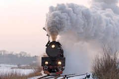 παλαιό αναδρομικό τραίνο &alpha Στοκ φωτογραφία με δικαίωμα ελεύθερης χρήσης