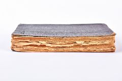 Παλαιό βιβλίο με το hardcover Στοκ εικόνες με δικαίωμα ελεύθερης χρήσης