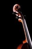 Παλαιό βιολί στη μαύρη ανασκόπηση Στοκ εικόνα με δικαίωμα ελεύθερης χρήσης