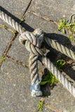 Παλαιό δεμένο σχοινί Στοκ φωτογραφία με δικαίωμα ελεύθερης χρήσης