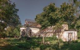 Παλαιό εγκαταλειμμένο σανατόριο στοκ εικόνα με δικαίωμα ελεύθερης χρήσης