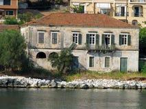Παλαιό εγκαταλειμμένο σπίτι στοκ φωτογραφία με δικαίωμα ελεύθερης χρήσης