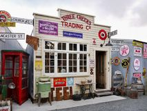 Παλαιό εκλεκτής ποιότητας κατάστημα αντικειμένων διαφήμισης Στοκ Φωτογραφίες