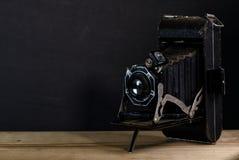 Παλαιό εκλεκτής ποιότητας μαύρο υπόβαθρο καμερών ύφους φυσητήρων στοκ εικόνες με δικαίωμα ελεύθερης χρήσης