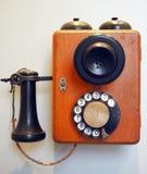 Παλαιό εκλεκτής ποιότητας περιστροφικό τηλέφωνο Στοκ φωτογραφία με δικαίωμα ελεύθερης χρήσης