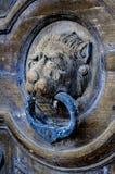 Παλαιό εξόγκωμα πορτών λιονταριών επικεφαλής σε Valletta, Μάλτα Στοκ φωτογραφία με δικαίωμα ελεύθερης χρήσης