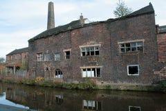 Παλαιό εργοστάσιο αγγειοπλαστικής στον ανατροφοδοτώ--Trent, Longport στοκ φωτογραφίες