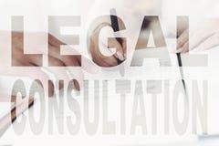 Παλαιό ζεύγος στις νομικές διαβουλεύσεις με Realtor στοκ εικόνα με δικαίωμα ελεύθερης χρήσης