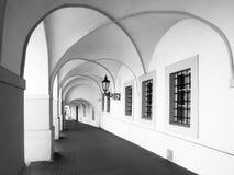 Παλαιό ιστορικό arcade στην οδό Loretanska κοντά στο Κάστρο της Πράγας, Πράγα, Δημοκρατία της Τσεχίας Στοκ Εικόνες