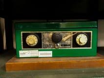 Παλαιό ισχυρό κιβώτιο με έναν συνδυασμό καθώς επίσης και τη βασική κλειδαριά Μέσα σε ένα από τα δωμάτια των μουσείων Mandiri στην στοκ εικόνα με δικαίωμα ελεύθερης χρήσης