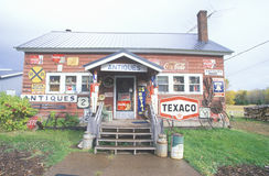 Παλαιό κατάστημα ακρών του δρόμου στοκ φωτογραφία με δικαίωμα ελεύθερης χρήσης