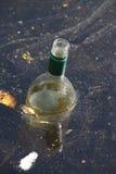 Παλαιό κενό μπουκάλι κρασιού Στοκ Εικόνες