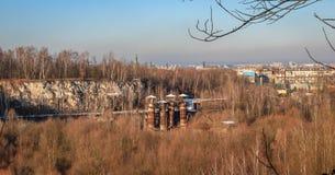 Παλαιό κοίλωμα πετρών σε Bonarka στην Κρακοβία στοκ φωτογραφία με δικαίωμα ελεύθερης χρήσης