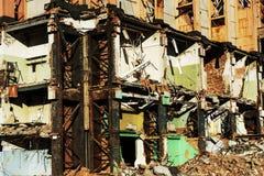 Παλαιό κτήριο για την κατεδάφιση, καταστροφές στοκ εικόνα
