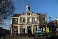 Παλαιό κτήριο εκκλησιών στο κέντρο Schiedam, οι Κάτω Χώρες στοκ εικόνα