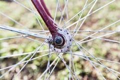παλαιό κόκκινο ποδηλάτων στοκ φωτογραφίες