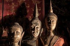 Παλαιό λουρί Wat Xieng γλυπτών του Βούδα, Luang Prabang, Λάος Στοκ Φωτογραφία
