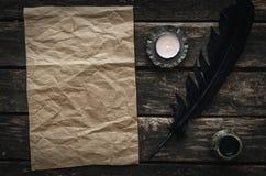 Παλαιό μήνυμα επιστολών Τσαλακωμένο κενό φύλλο σελίδων εγγράφου Στοκ Φωτογραφία