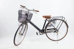 Παλαιό μαύρο ποδήλατο αναδρομικό εκλεκτής ποιότητας ποδήλατο Στοκ φωτογραφία με δικαίωμα ελεύθερης χρήσης