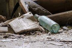 Παλαιό μπουκάλι αμπέλων Στοκ εικόνες με δικαίωμα ελεύθερης χρήσης