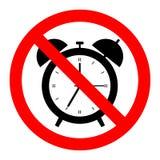 Παλαιό ξυπνητήρι, γραμμικό σύμβολο με την περίληψη Μην, μαύρο αντικείμενο στο κόκκινο προειδοποιητικό σημάδι, απλό εικονίδιο στοκ φωτογραφίες με δικαίωμα ελεύθερης χρήσης