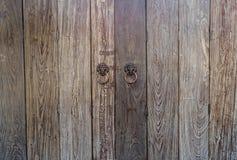 Παλαιό ξύλινο κινεζικό σχέδιο γλωσσαρίων πορτών Στοκ εικόνες με δικαίωμα ελεύθερης χρήσης