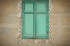 Παλαιό ξύλινο παράθυρο Στοκ εικόνες με δικαίωμα ελεύθερης χρήσης