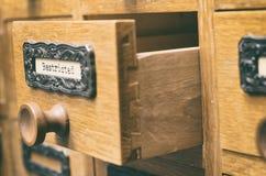 Παλαιό ξύλινο συρτάρι καταλόγων αρχείων αρχείων, αρχεία Στοκ εικόνες με δικαίωμα ελεύθερης χρήσης