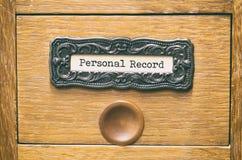 Παλαιό ξύλινο συρτάρι καταλόγων αρχείων αρχείων, προσωπικά αρχεία αρχείων στοκ εικόνα