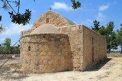 Παλαιό ορθόδοξο παρεκκλησι πετρών στη χώρα στοκ φωτογραφίες με δικαίωμα ελεύθερης χρήσης
