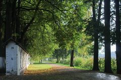 παλαιό πάρκο Velikiy Novgorod Καλοκαίρι στοκ φωτογραφία με δικαίωμα ελεύθερης χρήσης