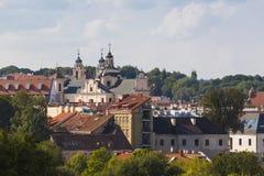 Παλαιό πανόραμα πόλης στεγών Vilnius στοκ εικόνα με δικαίωμα ελεύθερης χρήσης