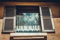 παλαιό παράθυρο τοίχων Στοκ Εικόνα