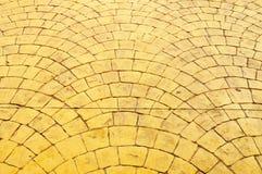 παλαιό πεζοδρόμιο προτύπων κίτρινο Στοκ εικόνες με δικαίωμα ελεύθερης χρήσης