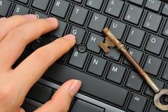 παλαιό πλήκτρο χεριών σκο&u Στοκ φωτογραφία με δικαίωμα ελεύθερης χρήσης