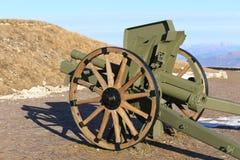 Παλαιό πυροβόλο που χρησιμοποιείται στον πρώτο παγκόσμιο πόλεμο στην Ιταλία Στοκ Φωτογραφίες